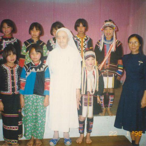 Február 1995 - U horniakov na severe - katolícke centrum
